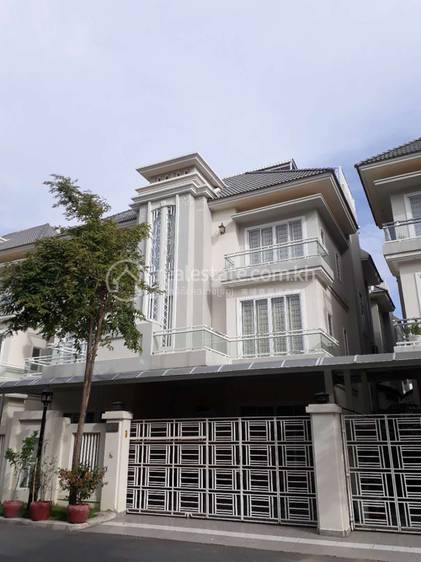 residential Villa for rent in Tuek Thla ID 108253 1