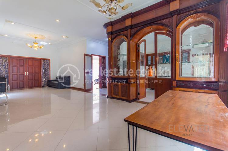 residential Villa for rent in Tonle Bassac ID 112100 1