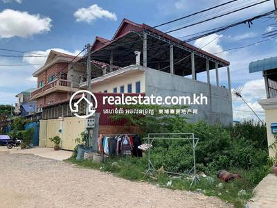 3 Bed, 2 Bath Flat House for Sale in Trapeang Krasang