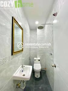 4 Bed, 4 Bath Flat House for Sale in Prek Ruessey