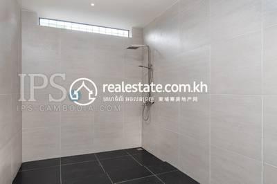 3 Bed, 4 Bath Villa for Sale in Kampong Samnanh