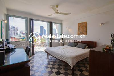 2 Bed, 3 Bath Apartment for Sale in Phsar Thmei II