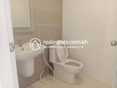 4 Bed, 5 Bath Shophouse for Sale in Nirouth