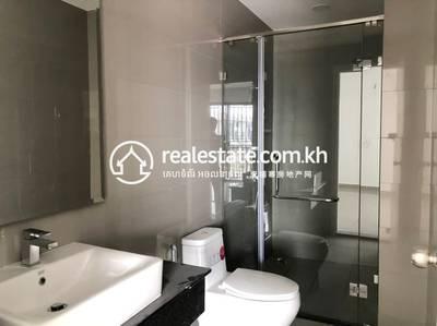 5 Bed, 6 Bath Shophouse for Sale in Chrang Chamres I