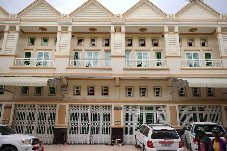 residential Retreat for sale in Chrang Chamres 2 ID 72495 1