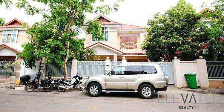residential Villa for sale & rent in Tonle Bassac ID 23320 1